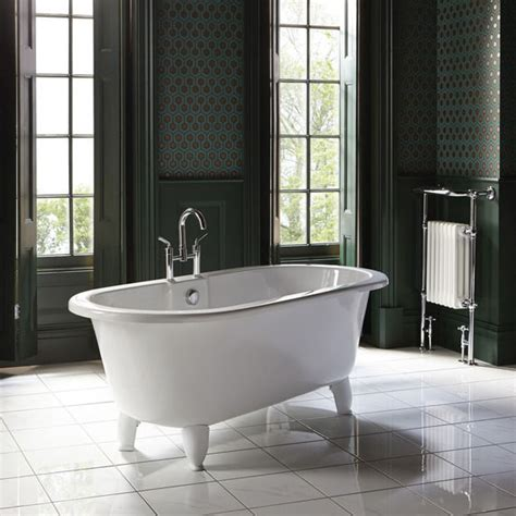 bathroom retailers uk bathroom retailer awards 163 37 5m contract to dhl