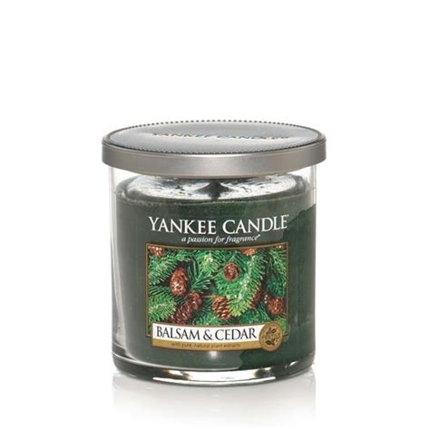yankee candle oh christmas tree my favorite candle scent for winter for the home