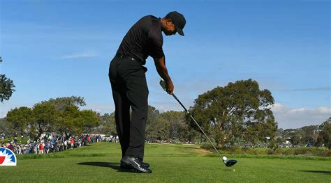 tiger swing tiger woods s new swing is built to last golf com