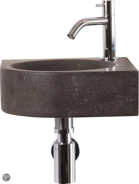 fonteintje voor toilet differnz cleo fontein toilet set hoekfontein 30 x 30