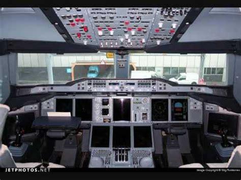cabina di pilotaggio airbus a380 aerei cabine di pilotaggio flight desk
