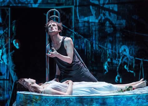 romeo and juliet modern themes review romeo and juliet wrestle with love and hate in a