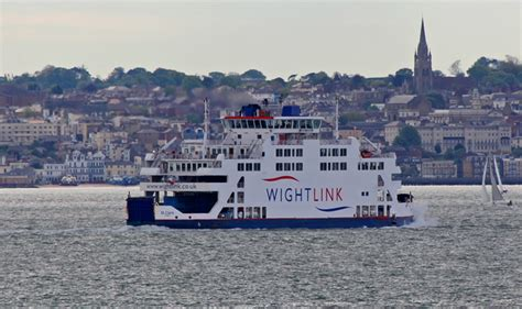 catamaran ferry to isle of wight portsmouth to ryde fastcat wightlink ferries