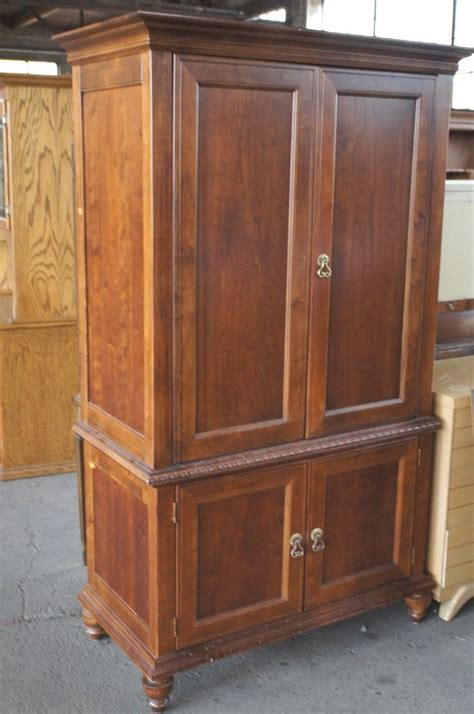 Broyhill Computer Armoire Vtg Broyhill Traditional Style Television Tv Armoire Entertainment Soapp Culture