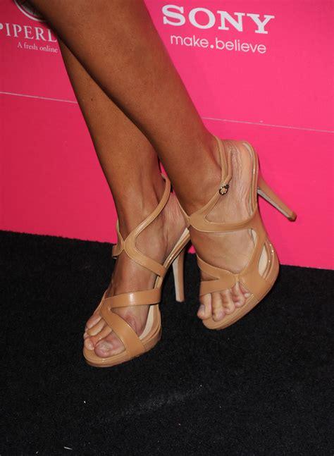 lisa rena jewlery lisa rinna strappy sandals lisa rinna shoes looks