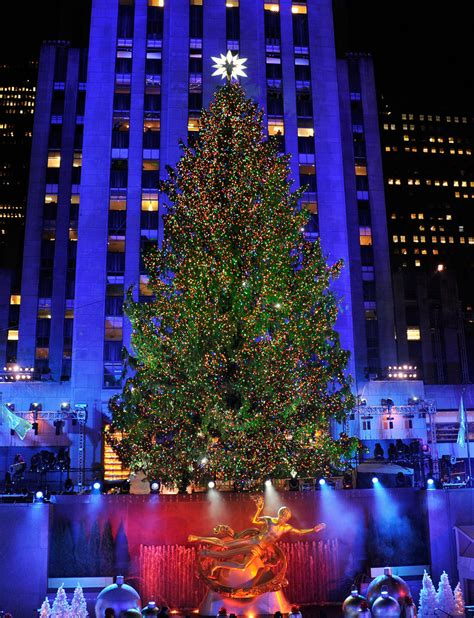 80th Annual Rockefeller Center Christmas Tree Lighting Lighting Of Tree Nyc 2014