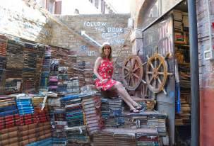 libreria alta acqua venezia libreria acqua alta in venice memories of the pacific