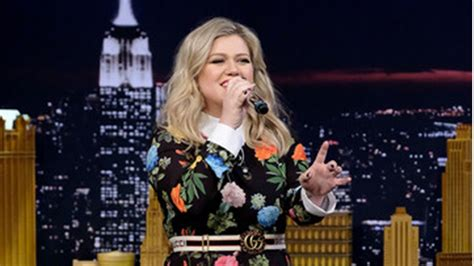 google images kelly clarkson kelly clarkson sings google translated hits on the tonight