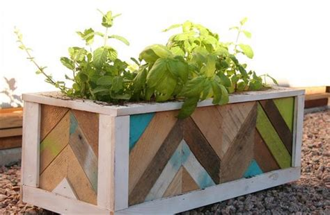 Pallet Planter Box Plans by Planter Boxes Out Of Pallets Recycled Things