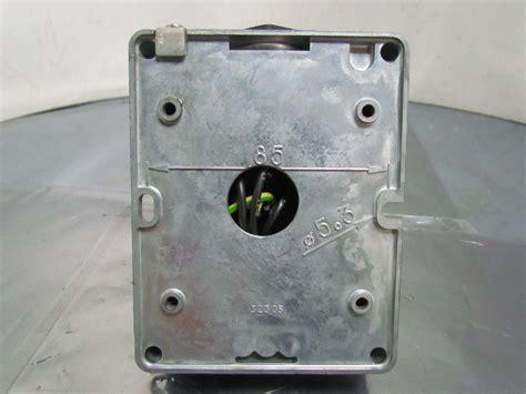 Surface Mounting Socket Legrand 4pin 32 legrand hypra surface receptacle 4 pin socket panel mount 16a 6h 380 415v ebay