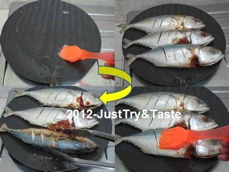 Pemanggang Teflon ikan kembung panggang rica rica siram sambal dabu dabu