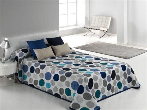 boutis pas cher couvre lit bleu couvre lit tendance