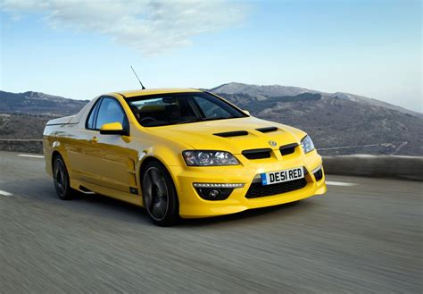 vauxhall maloo hsv maloo smokes hill climb course goauto