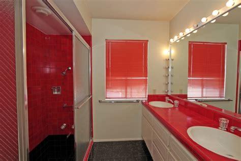 elvis presley bathroom photos elvis presley s palm springs estate lists for 3
