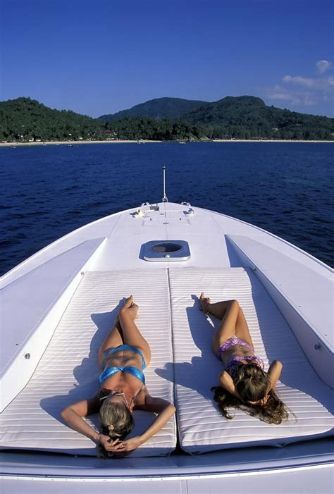 yacht girls 248 yachts superyachts and hot sexy girls yachts