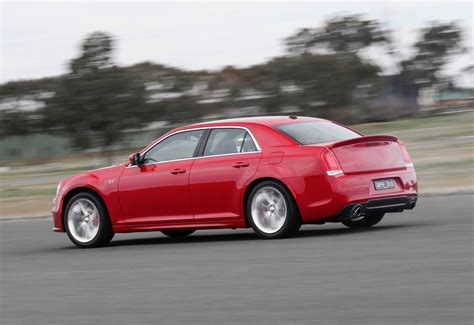 Chrysler Lineup 2015 by Revised 2015 Chrysler 300 Srt Returns To Line Up