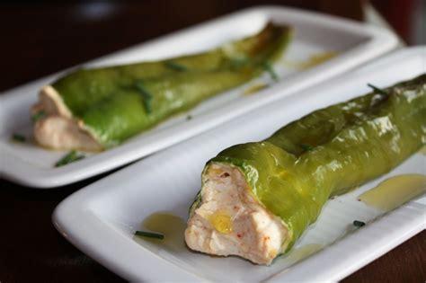 come si cucinano i peperoncini verdi sfornami peperoncini verdi fritti ripieni una ricetta
