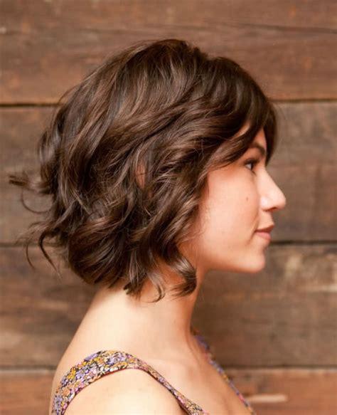 short hairhair straght on back curly on top 15 great short curly hairstyles youqueen