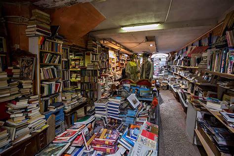 libreria acqua alta venice the most interesting bookshop in the world libreria