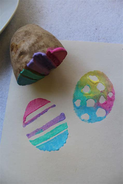 Handmade Easter Eggs - handmade potato easter egg sts tutorial for