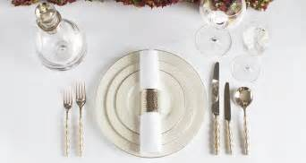 Cutlery Arrangement On Dining Table How To Set A Table Dining Table Setting Ideas Luxdeco