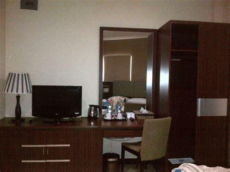 Meja Rias Tv meja tv dan meja rias picture of royal mamberamo hotel