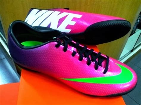 Harga Sepatu Nike Yang Ada Lunya harga sepatu futsal nike 2014