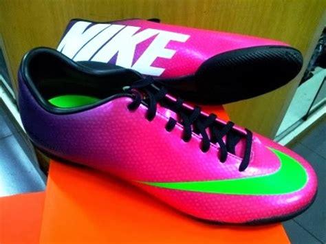 Sepatu Nike Original Terbaru sepatu futsal nike original terbaru 2014 design bild