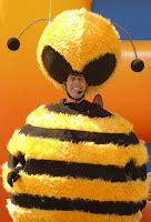 Stylefoul Jerry Seinfeld In Bee Costume by A Tale Of Two Brides January 2009