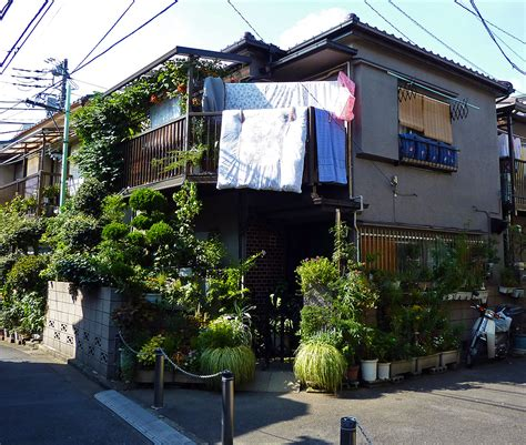 How High Should You Hang A Picture scenes from the neighborhood part 1 171 traveljapanblog com