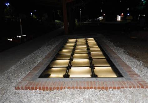 piastrelle fotovoltaiche passeggiata solare con le piastrelle fotovoltaiche si pu 242