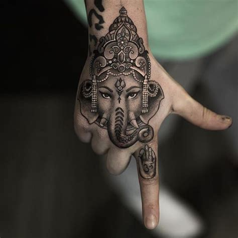 tattoo hindu hand hindu tattoo on hand beautiful art pinterest hindu