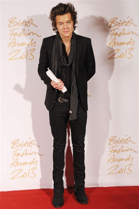 Harry Styles Wardrobe by Harry Styles Named 2013 S Style Icon At Fashion Awards Reporter