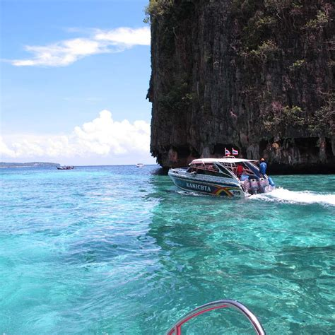 dive tours phi phi bamboo bay phuket dive tours