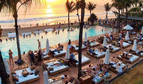 beach clubs  bali honeycombers bali