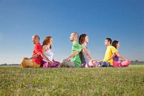 imagenes de yoga para dos posturas de yoga para dos 161 con fotos uncomo