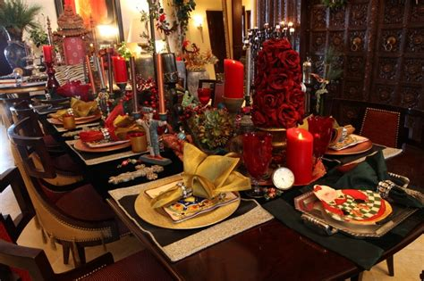 Beautiful holiday table christmas pinterest holiday tables and tablescapes