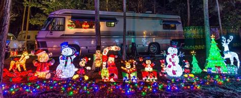 csite decorating for christmas at fort wilderness dad