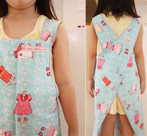pattern children s apron free free pattern tutorial and sewing video cross back apron