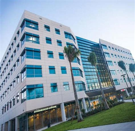 Florida International Mba by New Fiu Building Gives Staff Business Students New