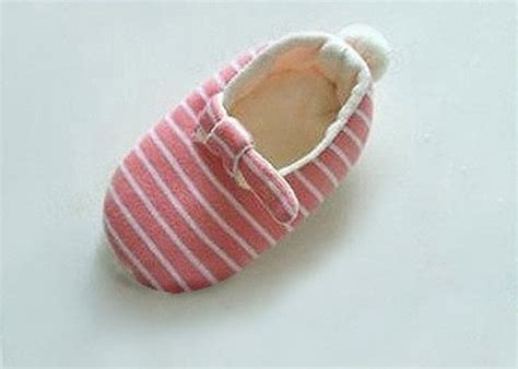 diy baby shoes diy baby shoes for 183 how to make a baby booties