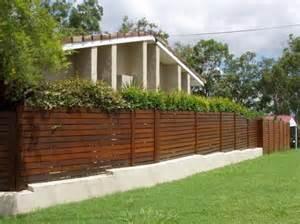 Cheap Garden Fencing Ideas Cheap Garden Fencing Ideas Inspiration Board Garden Fencing Ideas Australia Hipagescomau 557x417