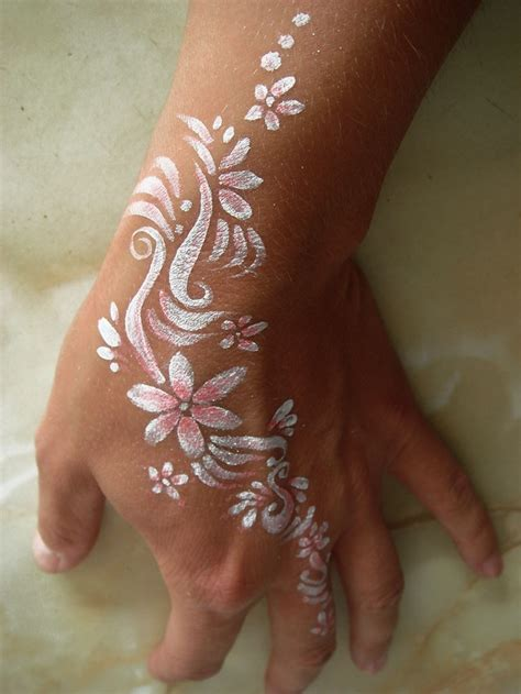 henna tattoo paint white henna white tattoos white henna tattoos