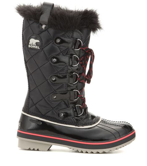 sorel tofino quilted snow boots in black lyst