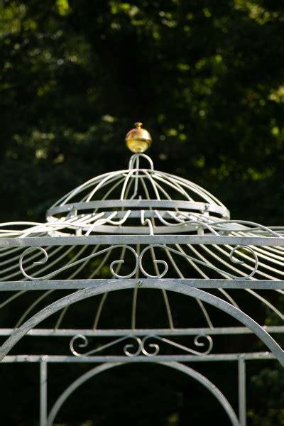 stabiler gartenpavillon stabiler gartenpavillon verzinkt metall 216 350cm pavillon