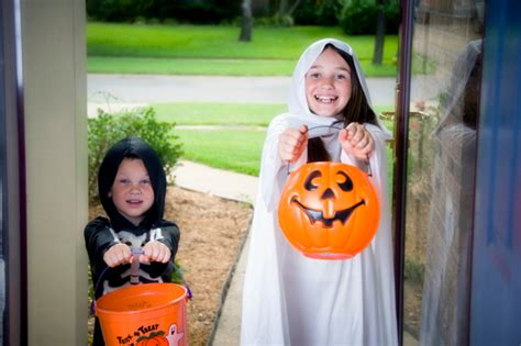 3 reasons the job search is like trick or treating itac solutions