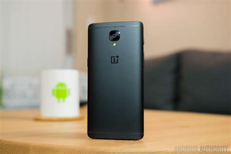 Oneplus 5 Giveaway - oneplus 3t midnight black hands on giveaway android authority