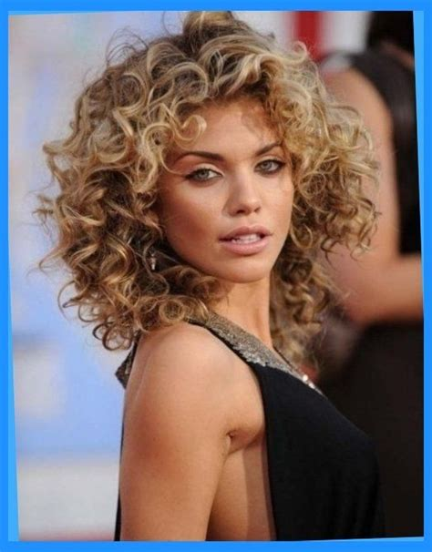 permed hairstyles 50 25 best ideas about permed medium hair on pinterest