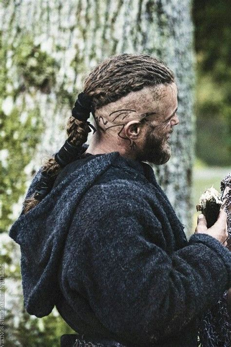 meaning behind ragnars tattoos travis fimmel vikings what does that tattoo mean