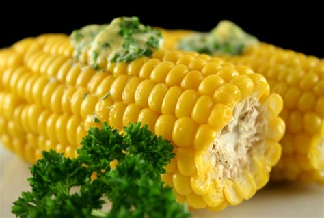 corn on the cob with herbed butter bigoven 201219